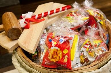3 菓子まき.JPG